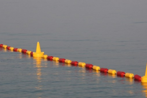 Supply & Installation of a deterrent barrier around floating runway in Dubai Marina