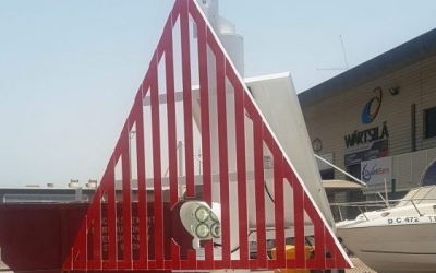 design and fabrication of a custom made fixed navigational marker post for a Sealite solar powered High Intensity Range Light